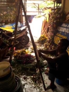 BUNGA PAPAN WEDDING SURABAYA - 08123.5931.288