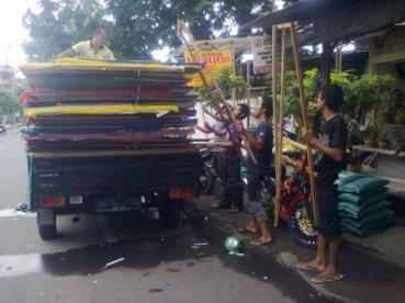 KARANGAN BUNGA ONLINE SURABAYA - 08123.5931.288