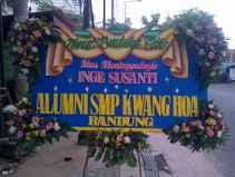 Pesan Karangan Bunga Anniversary Surabaya - 08123.5931.288