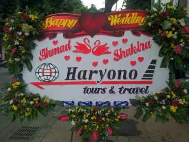 Pesan Karangan Bunga Papan Surabaya - 08123.5931.288